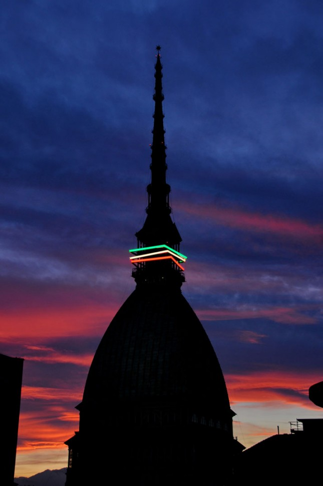 Torino-light-Italian-colors-MOLE-ANTONELLIANA-yatzer-2