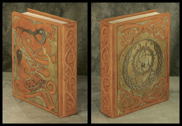 Astrolabe_Book_by_smakeupfx