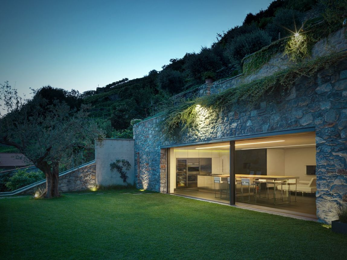 Casa mt a trona so - Case moderne con vetrate ...