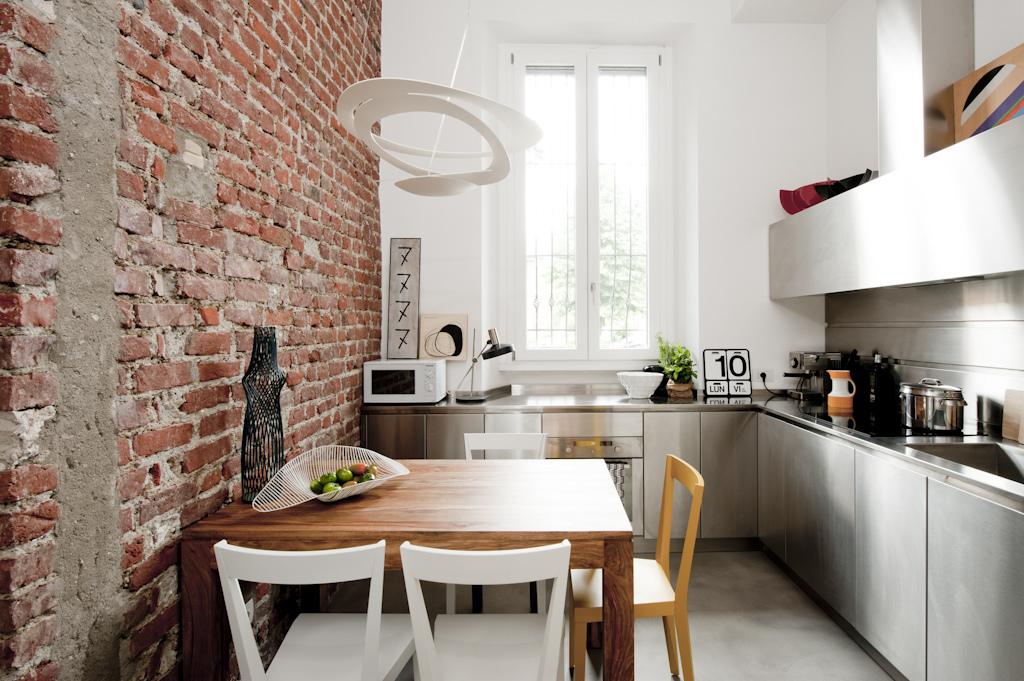 Un mini appartamento di 30mq a milano ristrutturato con for Progettare un appartamento