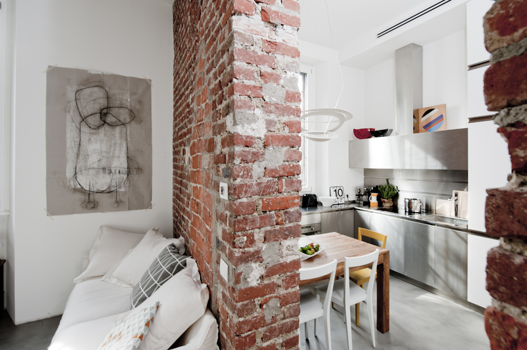 Un mini appartamento di 30mq a milano ristrutturato con for Decorar casa 45 m2