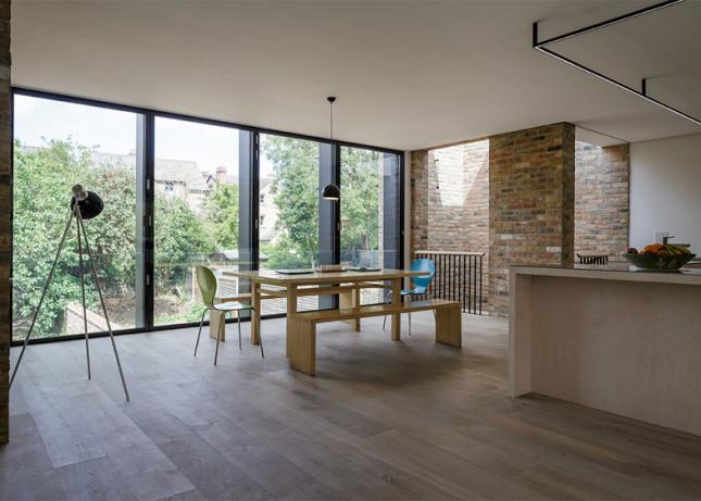 Semi-detached-house_Oxford_Delvendahl-Martin-Architects_dezeen_784_0