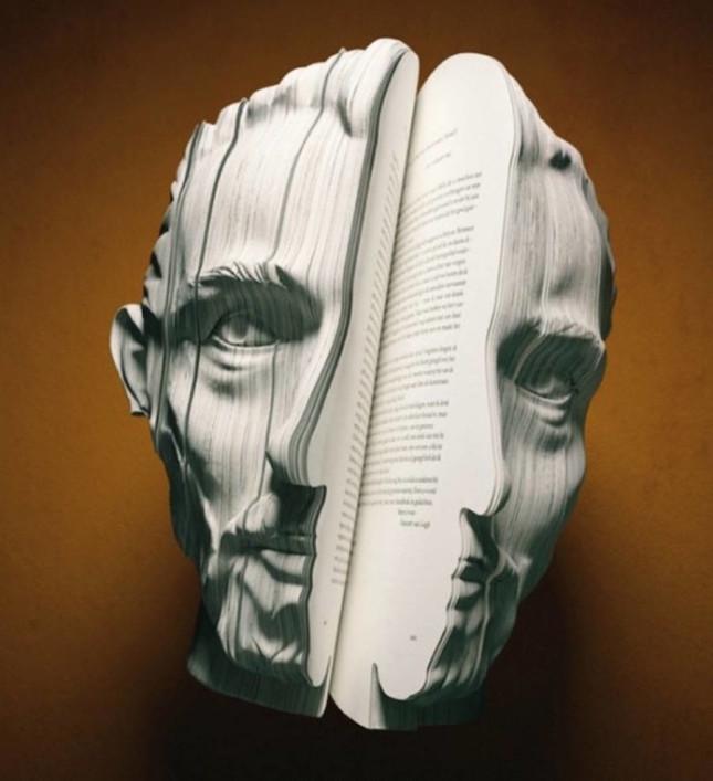 realisticbooksculpturesportrayingfamouspersonalities-4-900x987